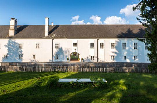 Innenhof von Schloss Lackenbach